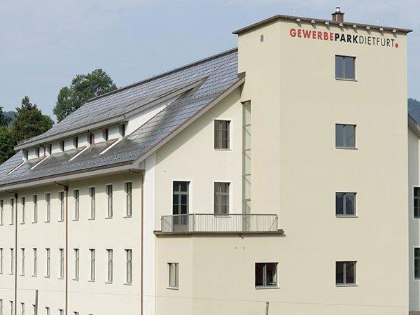 Renoviertes Industriegebäude aus der Textilindustrie