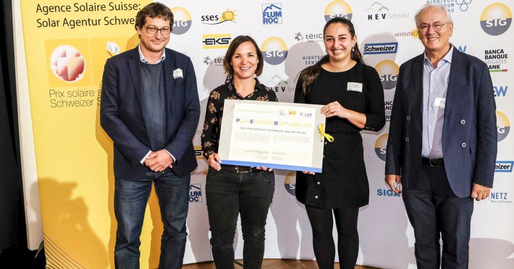 Übergabe von Solarpreis-Diplom